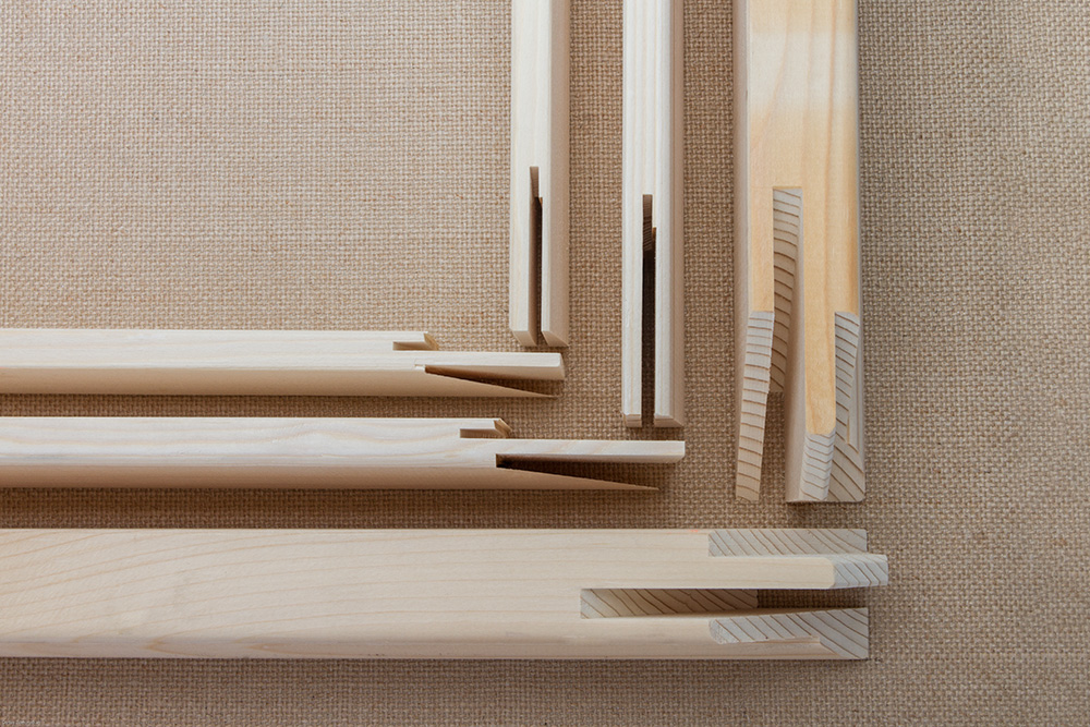 how to assemble Stretcher bars for canvas