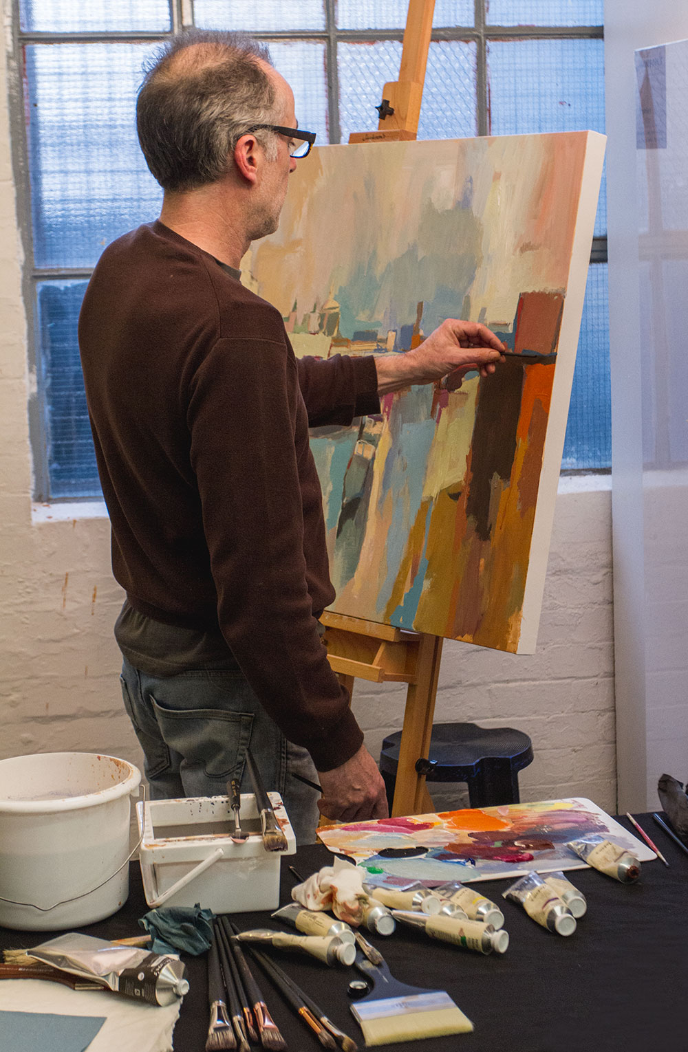 Paul Bell painting with Jackson's Artist Acrylics