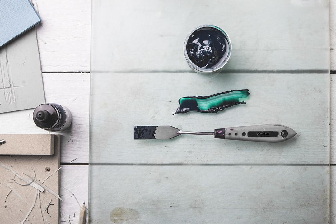 smear-palette-knife-green