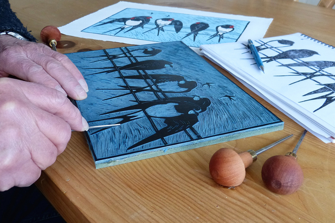 how to use lino cutting tools