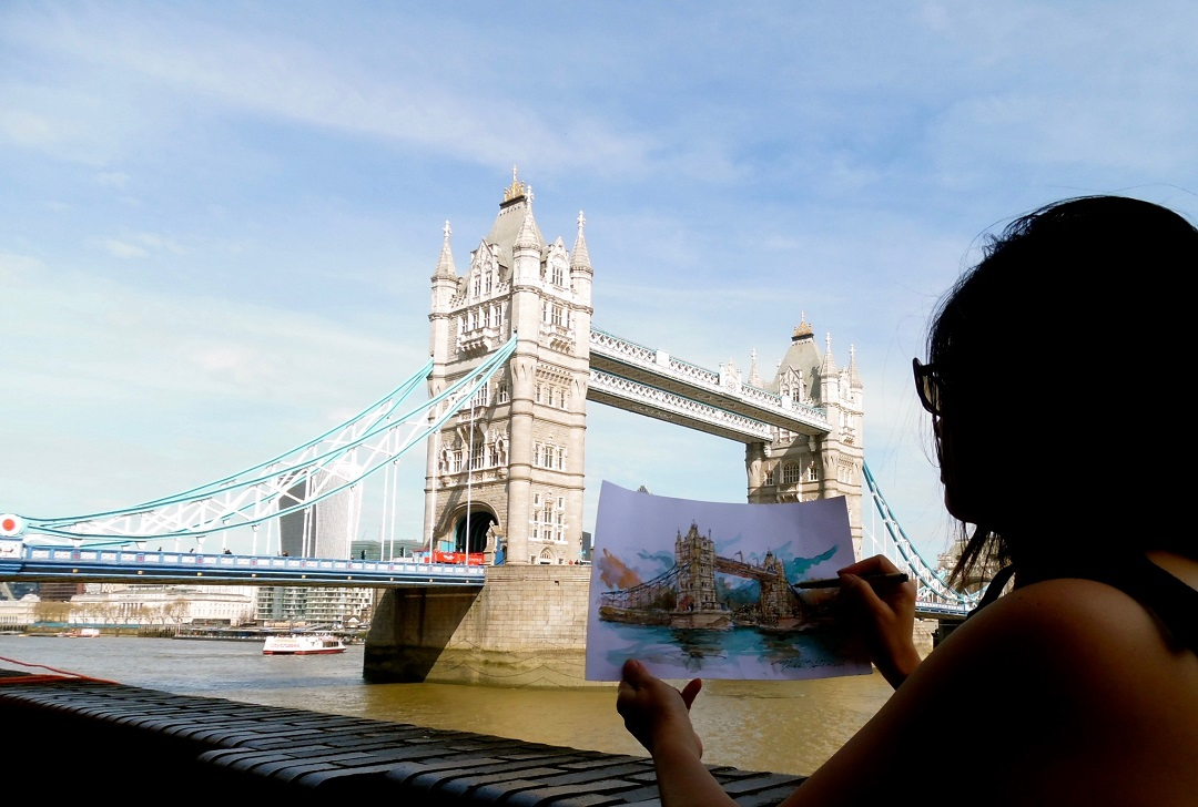 Merlyna Lim drawing Tower Bridge, London 2016.