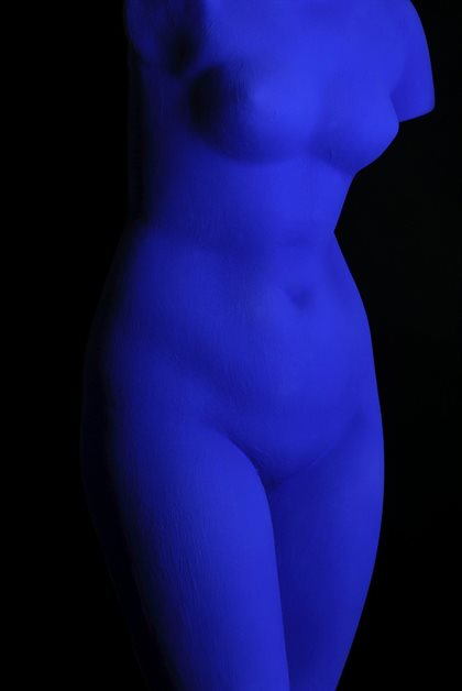 Yves Klein, Blue Venus (S 41), 1962. Dry pigment and synthetic resin on plaster 69.5 × 30 × 20 cm. © Yves Klein estate, ADAGP Paris / DACS, London, 2018; Image © Musée d'Art Classique de Mougins (MACM) 2018