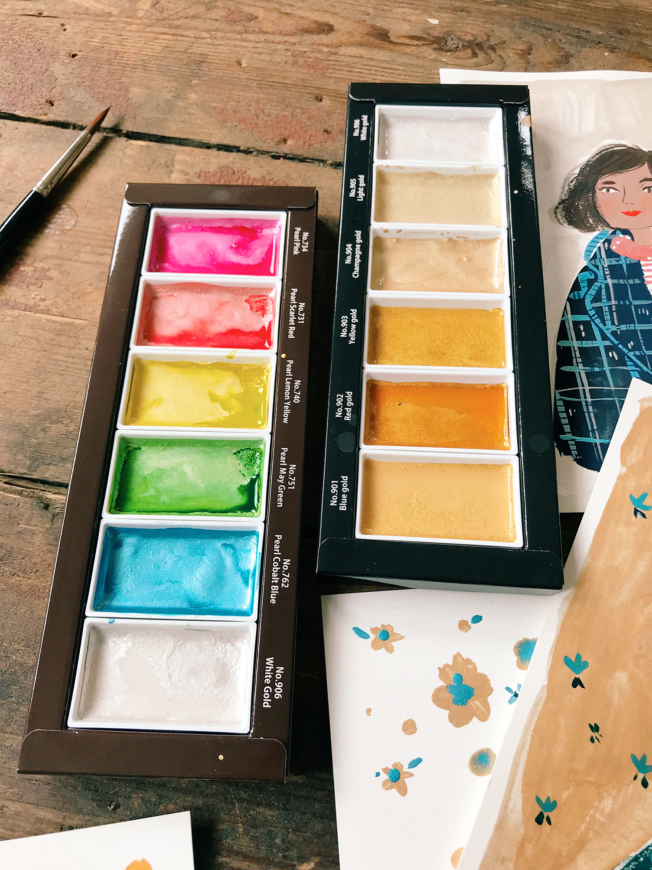 "<a href=""https://www.jacksonsart.com/kuretake-gansai-tambi-japanese-watercolour-starry-colours-set-of-6?utm_source=jasblog&amp;utm_medium=blog-post&amp;utm_campaign=VS_Kuretake_Shiney"" target=""_blank"" rel=""noopener"">Kuretake Gansai Tambi Japenese Watercolour Starry Colour set</a> and <a href=""https://www.jacksonsart.com/kuretake-gansai-tambi-japanese-watercolour-pearl-colours-set-of-6?utm_source=jasblog&amp;utm_medium=blog-post&amp;utm_campaign=VS_Kuretake_Shiney"" target=""_blank"" rel=""noopener"">Kuretake Gansai Tambi Pearl Colour set</a> by <a href=""http://www.andsmilestudio.com/"" target=""_blank"" rel=""noopener"">Viktorija Semjonova</a>"