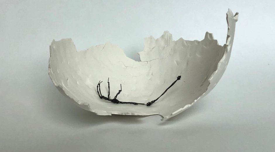 Annabel MacIver, A memory that never was, begins. Size: 28x24x16cm Porcelain and iron wire, for The Art Academy Graduate Show