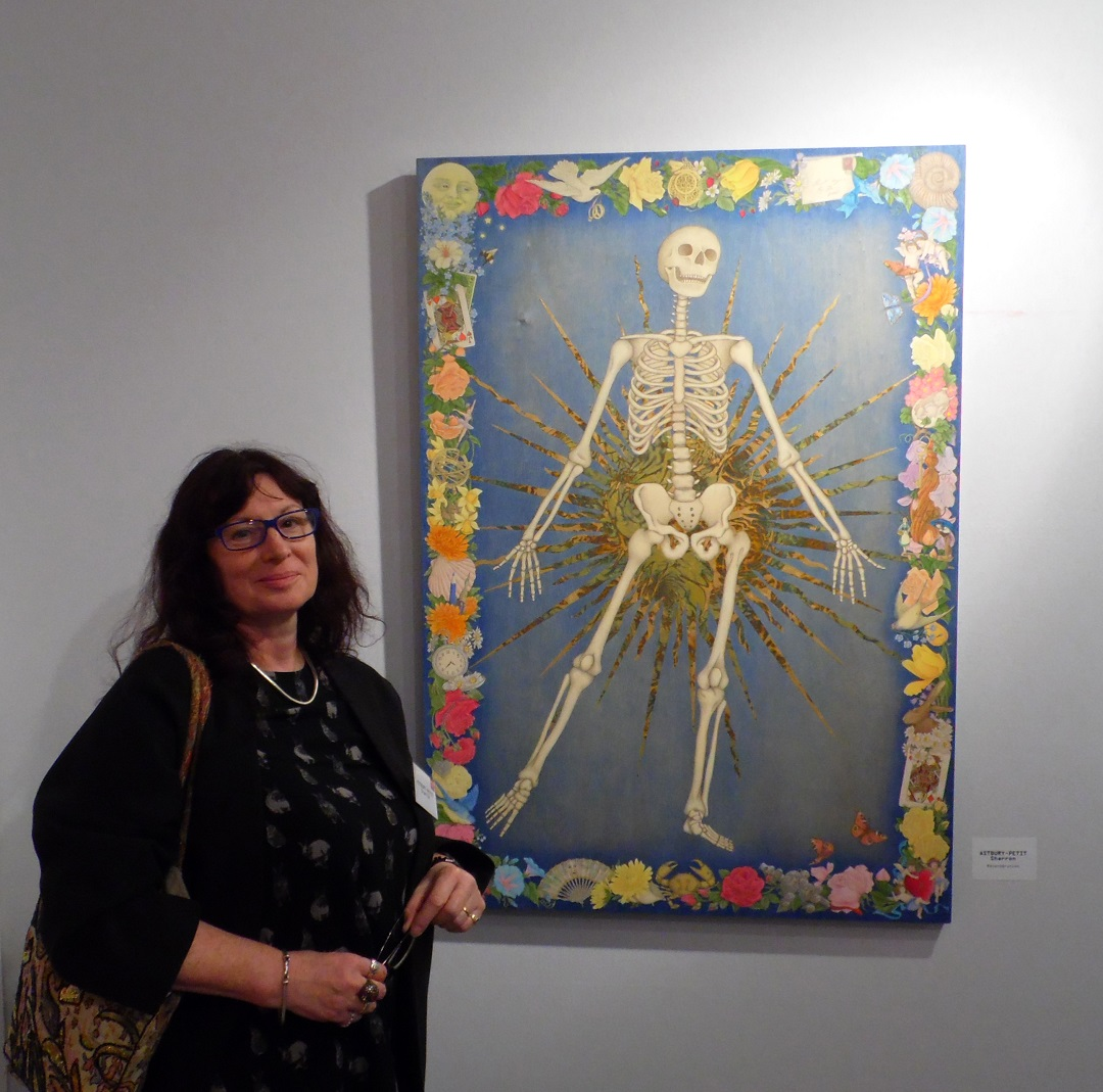 Sharron Astbury-Pettit at Salon d'Automne in Paris with her painting 'Reverberation