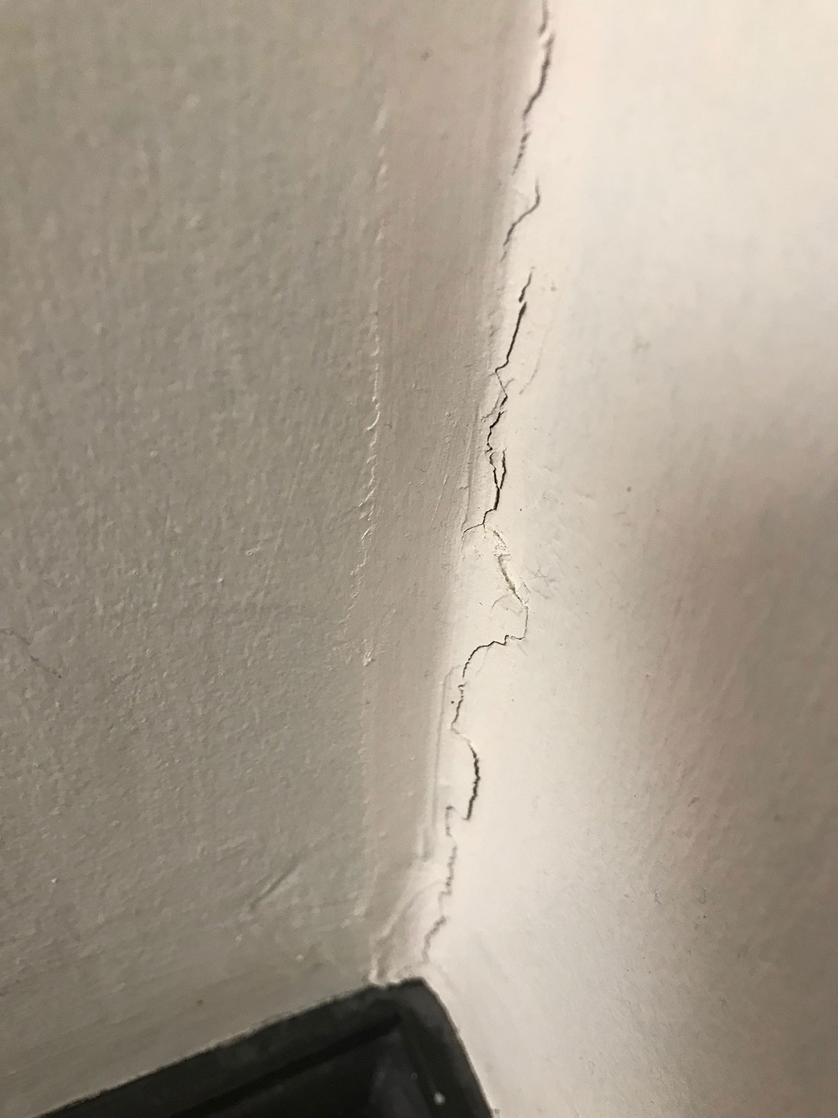 house paint cracks