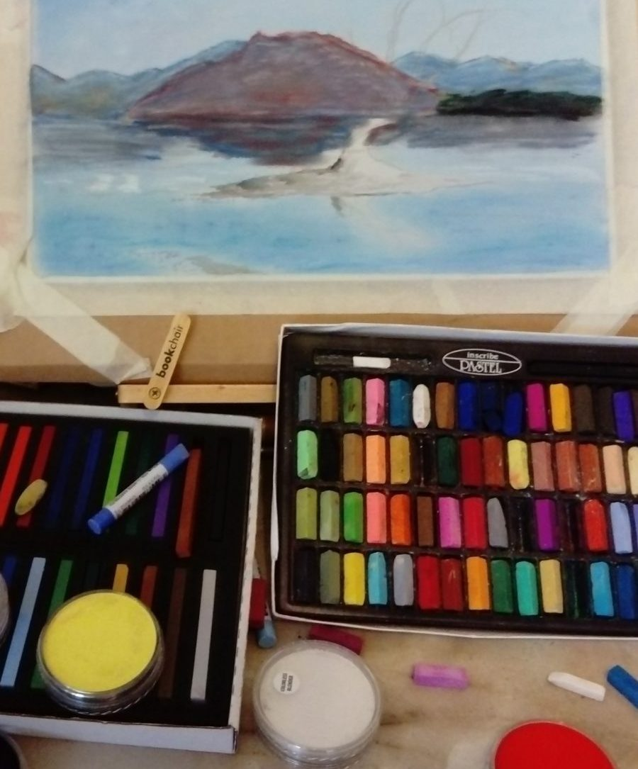 Scott Bleasdale's pastel set up with inscribe pastels