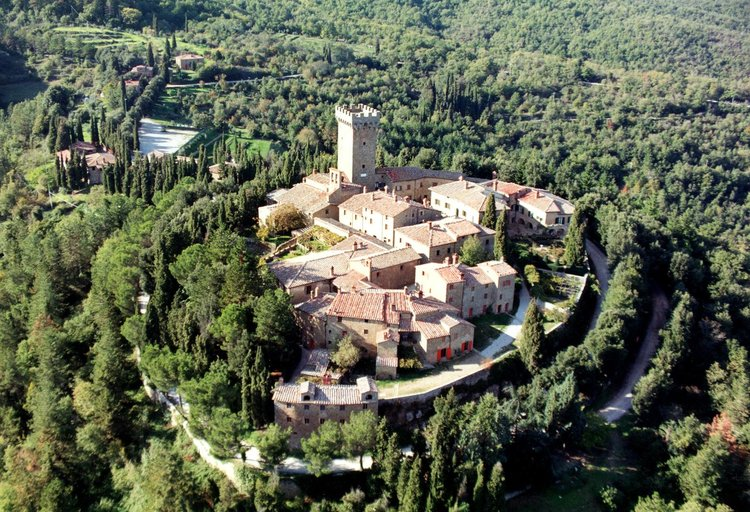 Castle art holiday tuscany
