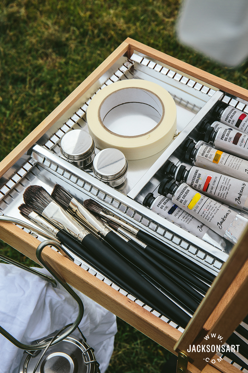 Jackson's Black Hog Brushes Set of 7 in the easel draw