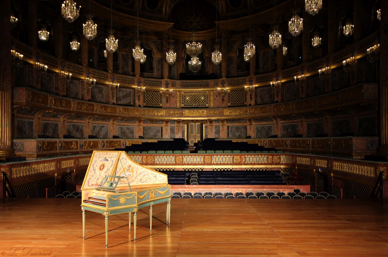 A painted and gilded harpsichord decorated on commission by the artist for the Opéra Royal de Versailles Artist: Alison Woolley Medium: Wood, gesso, red bole, 22k gold leaf, casein paint Dimensions: 200CM X 85CM X 85 CM circa Year: 2015 Photo Credit: Lucie Ducornet