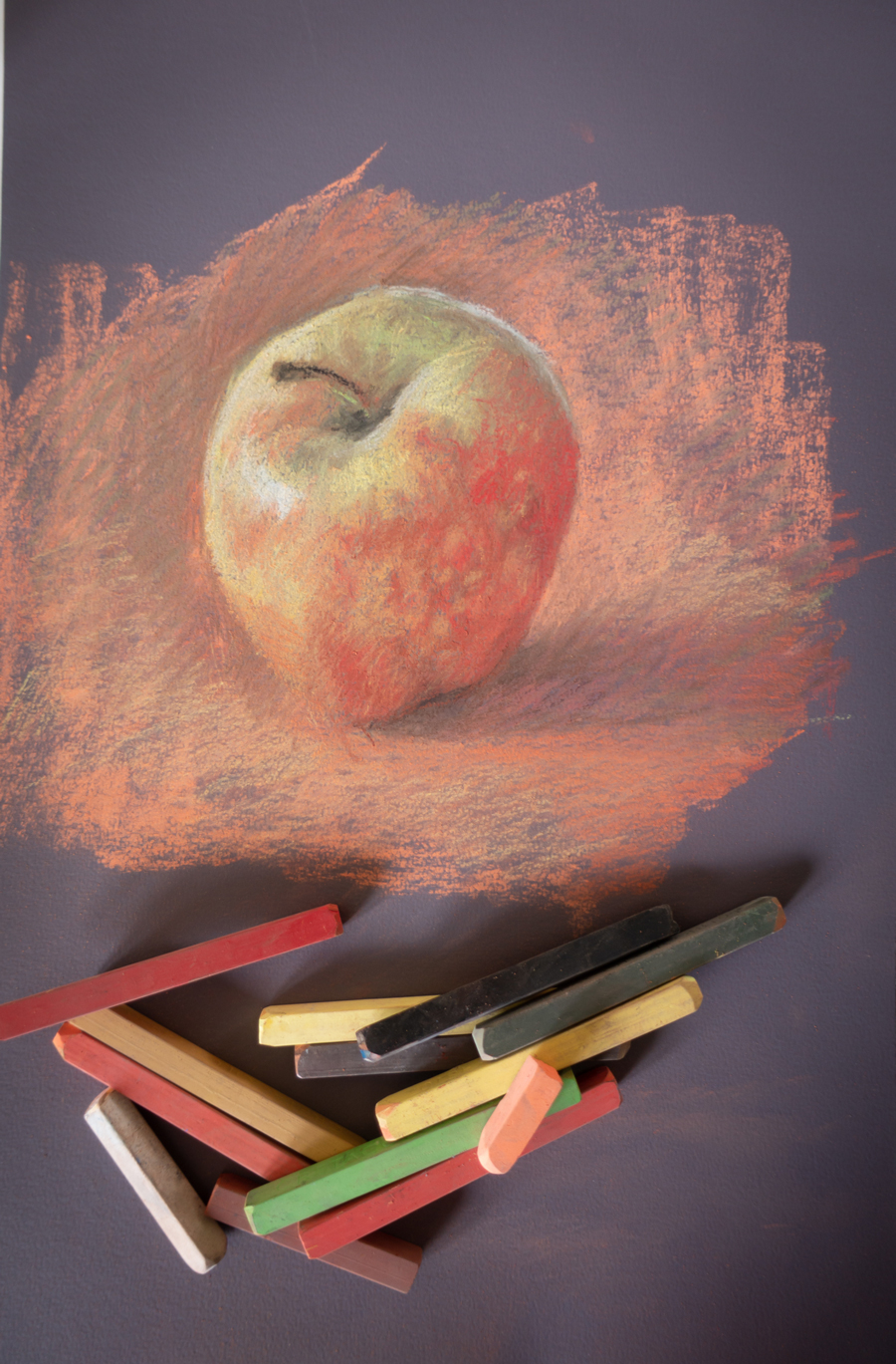 Sophie Ploeg's painting of an apple with Hard pastels