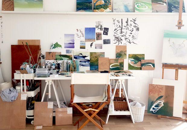 Studio desk Tara Leaver